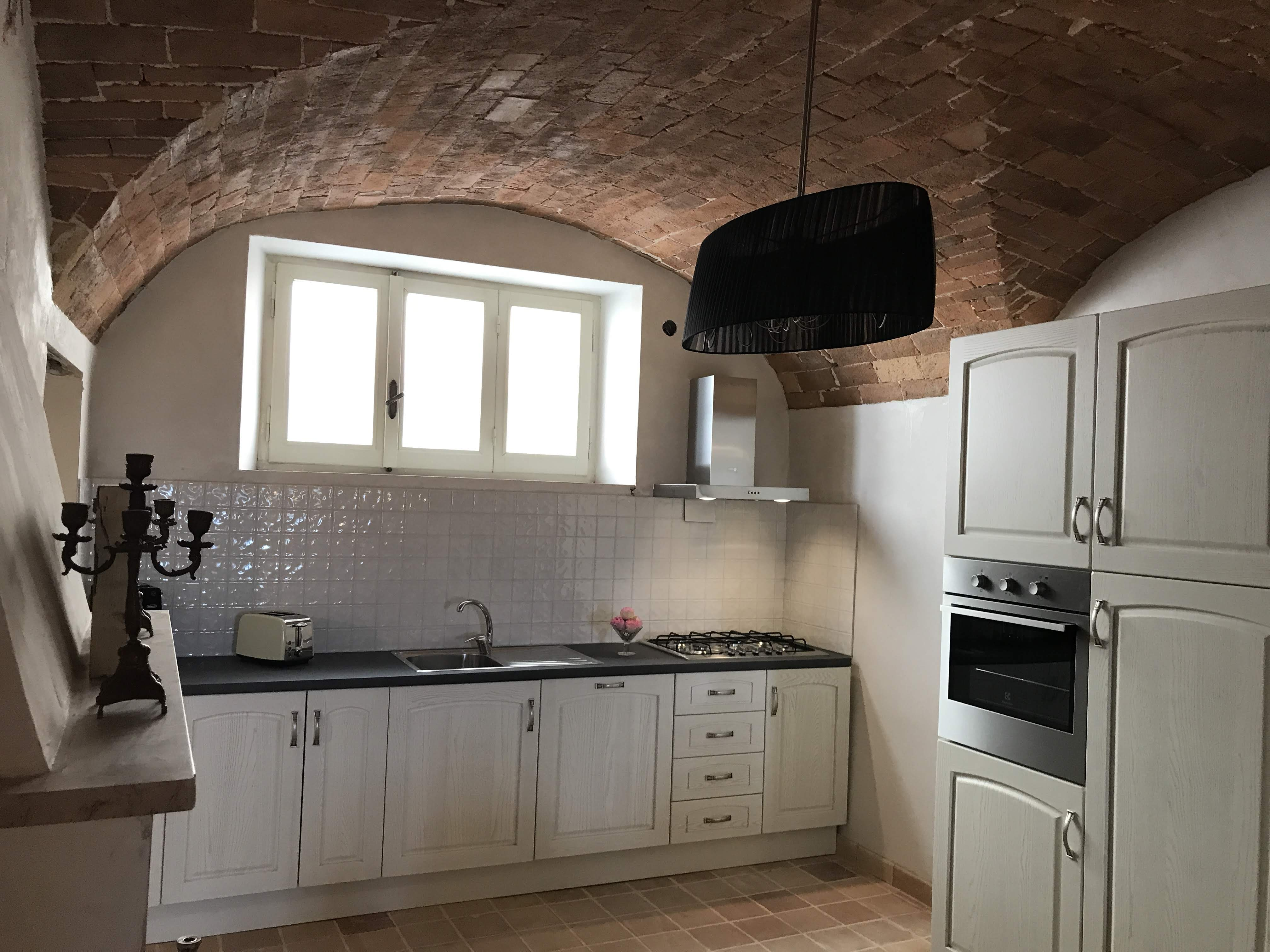 di Tonno: Kitchen